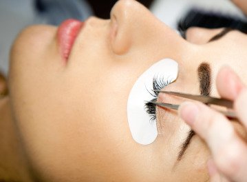 Eyelashextensionisolation